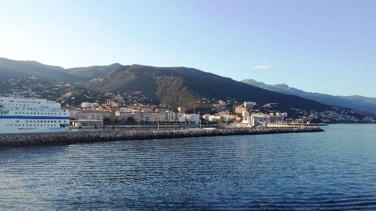Bastia - widok na miasto z promu