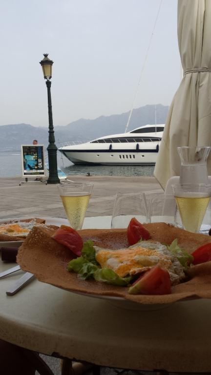 Obiad w Calvi