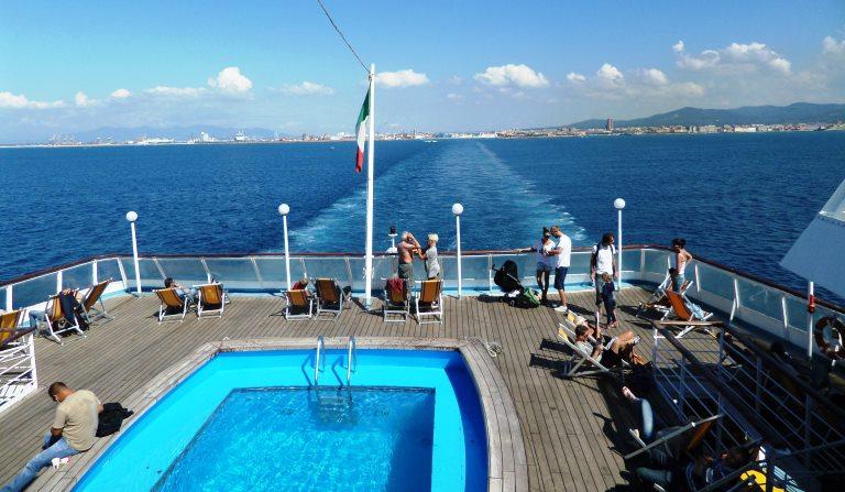 prom Corsica Ferries z Livorno do Bastii
