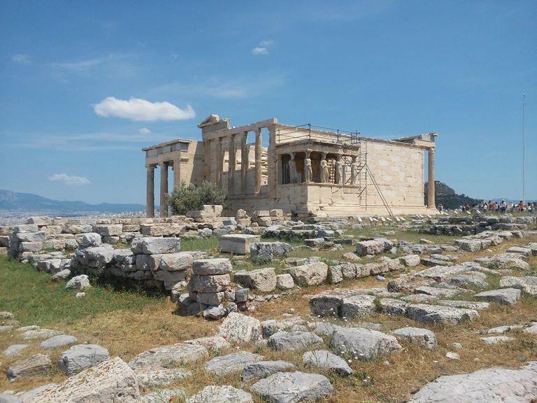 ruiny świątyń na Akropolu