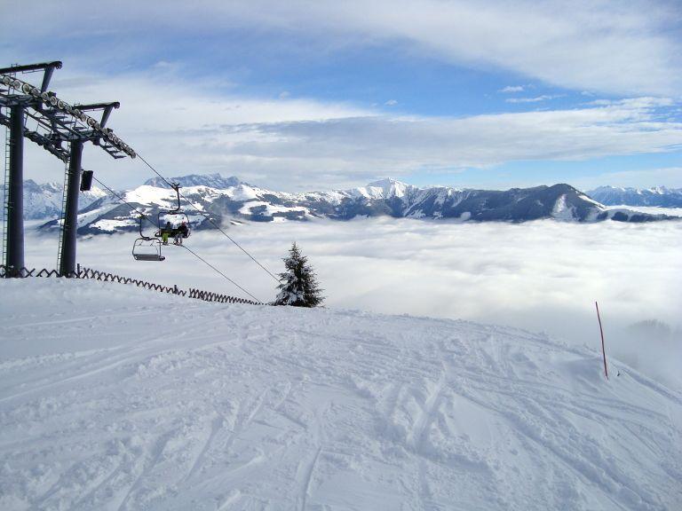 Chmury w dolinie