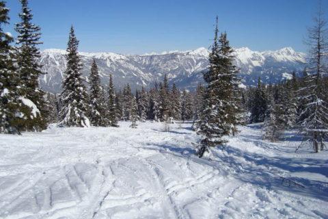 Najlepsze ośrodki narciarskie dla zaawansowanych narciarzy i snowboardzistów