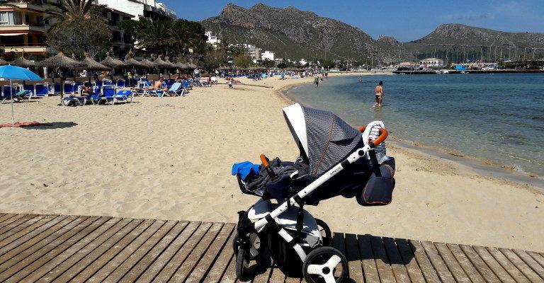 wózek na plaży
