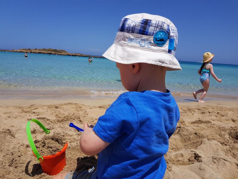dwulatek na Cyprze