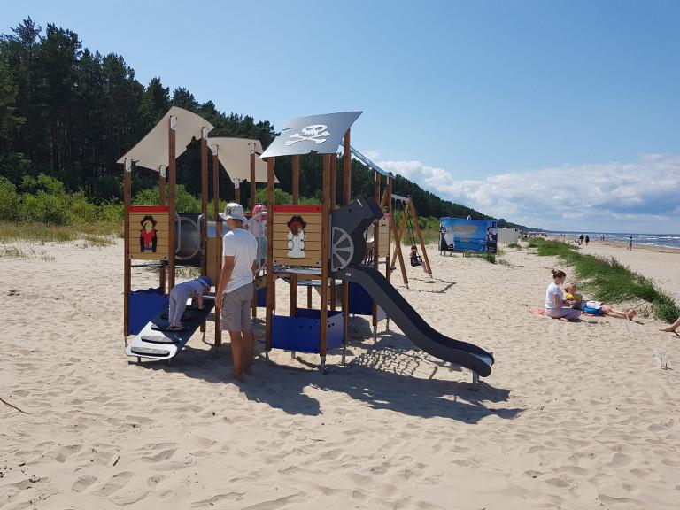 plac zabaw na plazy Jurmala